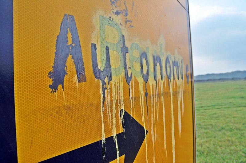 DAN: Warten auf neue Straßenschilder